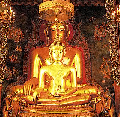 Asijská výbušná směs / (Buddhova šlápota a thajské umění)