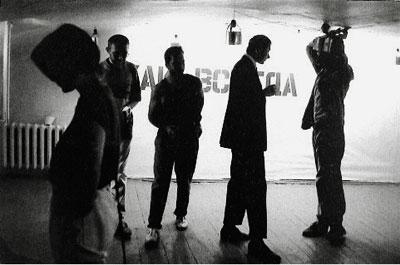 """Das Phänomen der """"Tusovka"""" in der russischen Kunst der Neunziger Jahre und die zeitgenössische tschechische Künstlerkommunität – Versuch eines Vergleichs"""