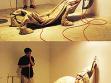 Sutee Kanavichayanont: Mýtus z rýžového pole (1998)<br />guma, vzduchový balon, hadice, 110 x 160 x 250 cm